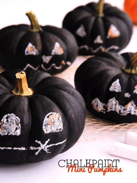 DIY chalkpaint mini pumpkins (via ourkidthings.com)