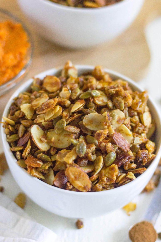 DIY grain free pumpkin granola (via whatmollymade.com)