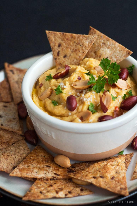 DIY pumpkin humus with peanuts (via www.shoothecook.com)