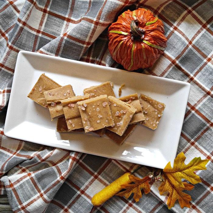 DIY salted pumpkin fudge (via alwaystheholidays.com)