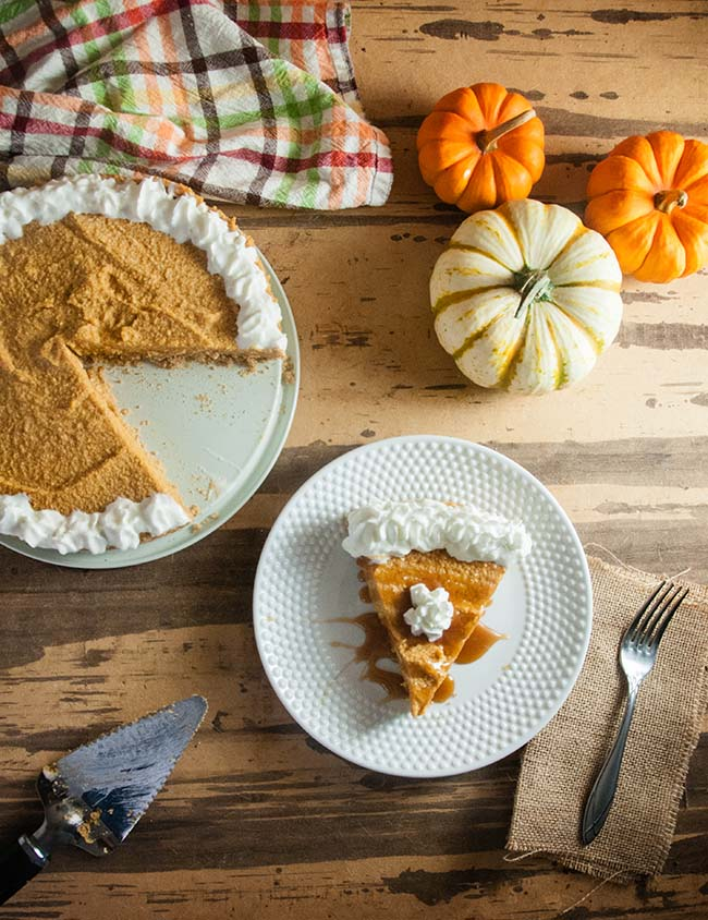 DIY no bake pumpkin cheesecake (via www.seasonedsprinkles.com)