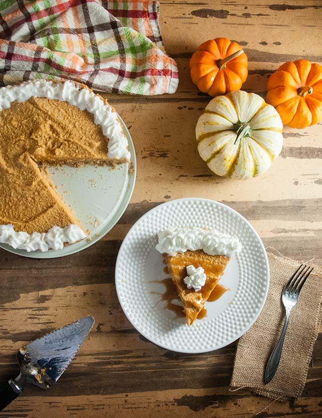 DIY no bake pumpkin cheesecake (via www.seasonedsprinkles.com)