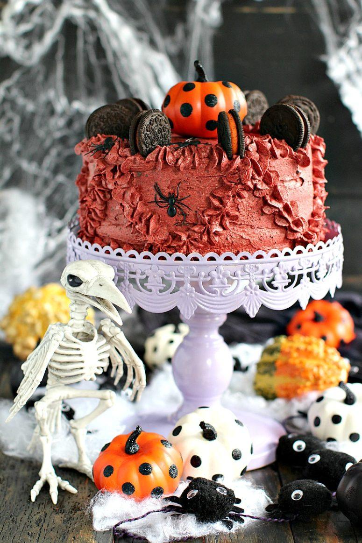DIY Halloween pumpkin Oreo cake (via https:)