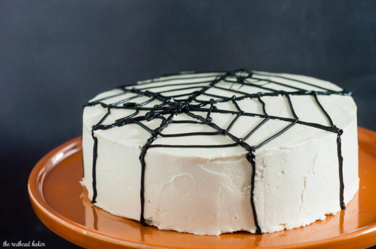 simple DIY spiderweb cake (via www.theredheadbaker.com)