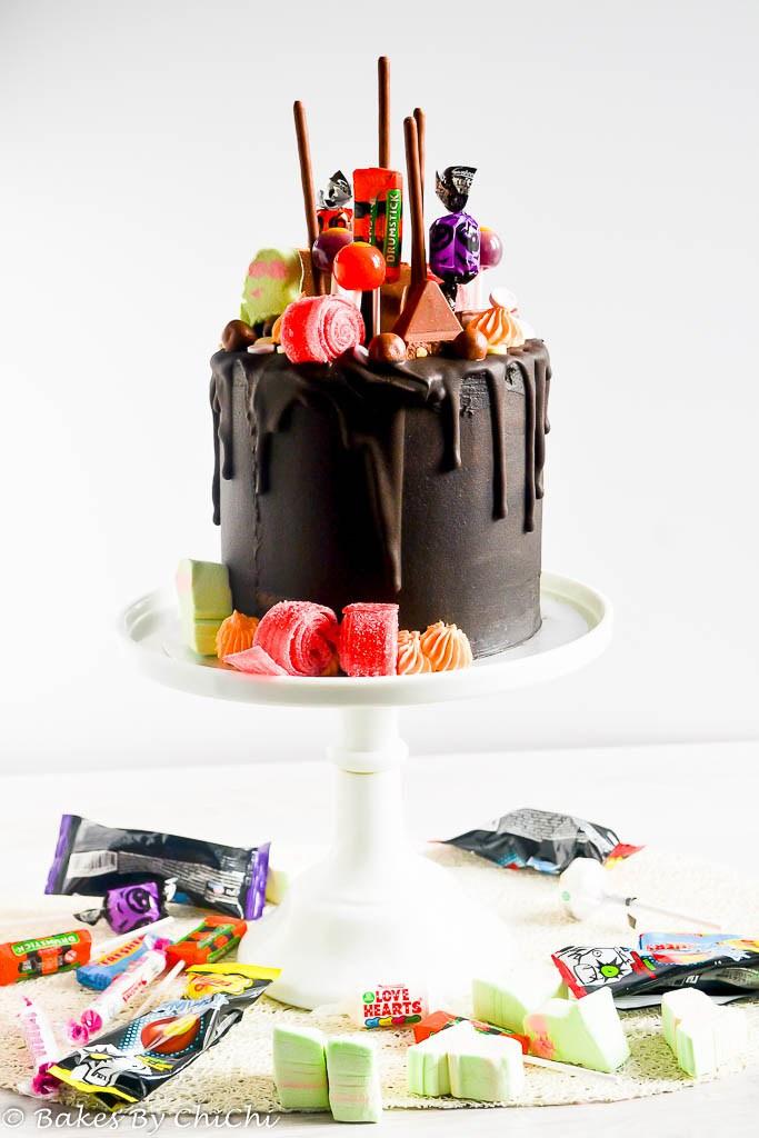 DIY chocolate drip Halloween cake (via bakesbychichi.com)