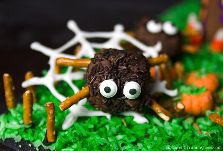DIY spider brownie bites (via insearchofyummyness.com)