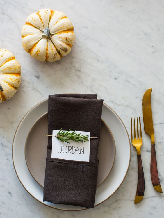 faux pumpkins, gold rim plates and creative cutlery for a simple Thanksgiving table
