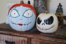07 painted Jack Skellington and Sally pumpkins are a nice idea for a Halloween craft