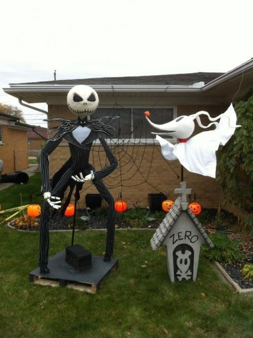 Halloween yard decorations inspired by Nightmare Before Christmas look wow