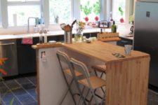 DIY Lagan solid wood countertops into a kitchen island