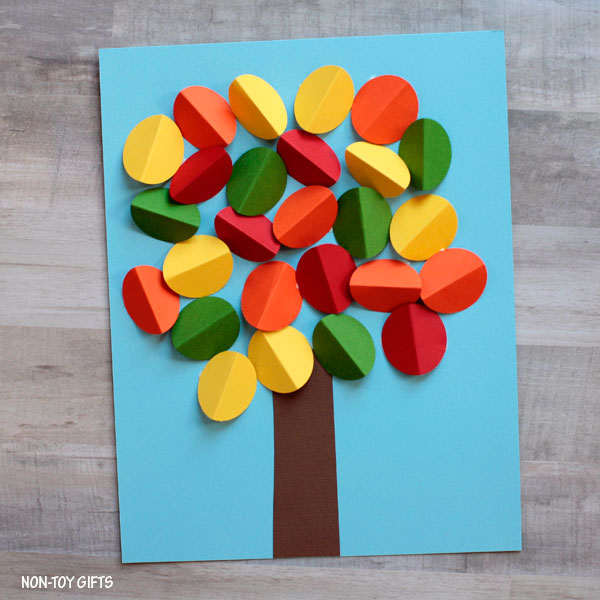 DIY 3D paper tree craft (via nontoygifts.com)