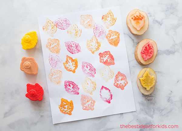 DIY fall leaf potato stamping (via www.thebestideasforkids.com)