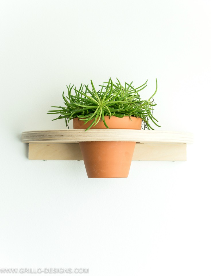 DIY IKEA Frosta stool into a planter (via grillo-designs.com)