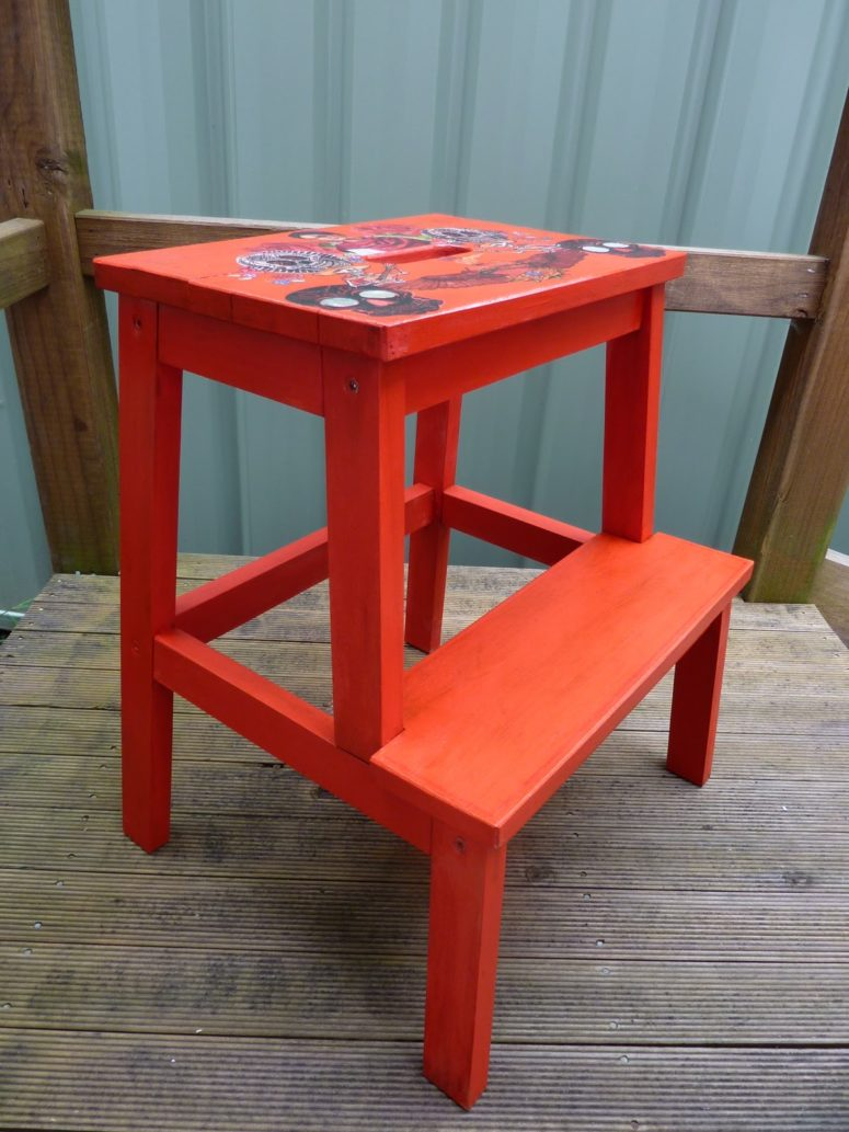 DIY Bekvam stool with stencils (via bornagain-creations.blogspot.ru)