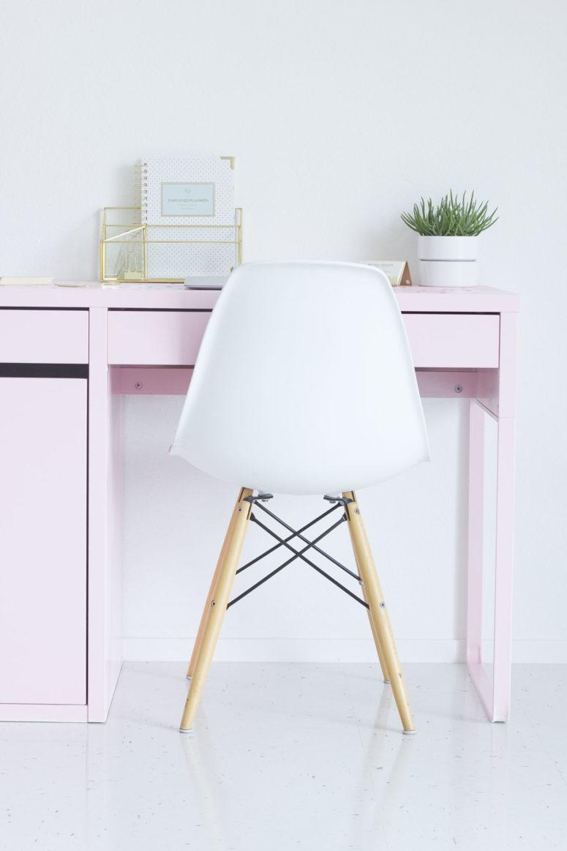 DIY IKEA pink desk hack (via bestfriendsforfrosting.com)