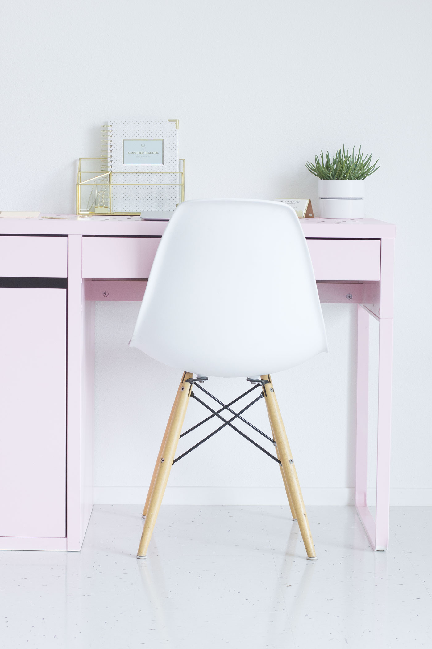 DIY IKEA pink desk hack