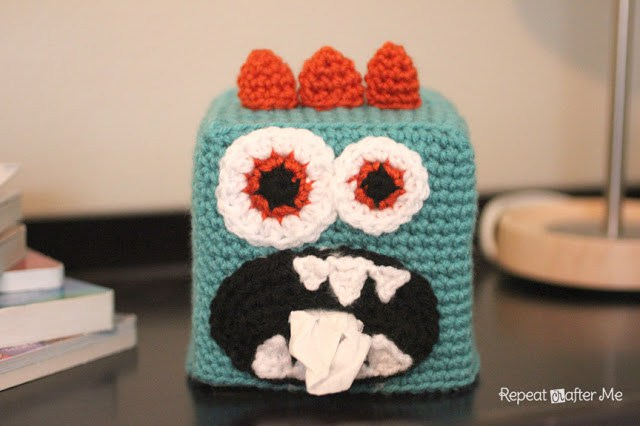DIY crochet monster tissue box cover (via www.repeatcrafterme.com)