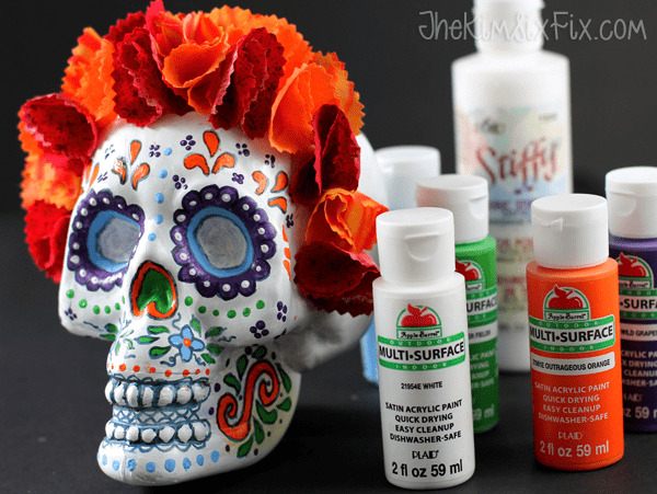 DIY Day of the Dead skull (via www.thekimsixfix.com)