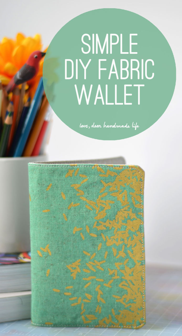 DIY simple fabric wallet (via dearhandmadelife.com)