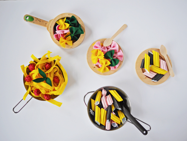 DIY play pasta of felt and paper (via www.hellowonderful.co)