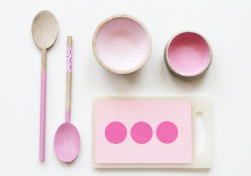 DIY pink play kitchen set  (via www.shelterness.com)