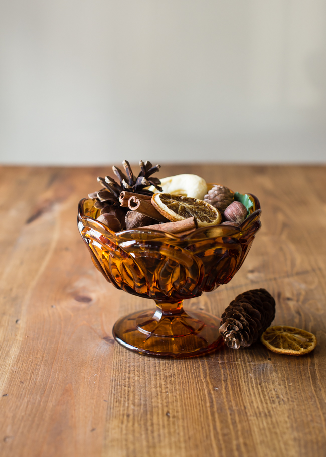 DIY fall potpourri with dried fruit and nuts