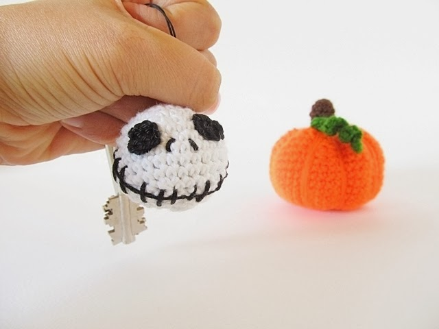 DIY Jack Skellington keychain
