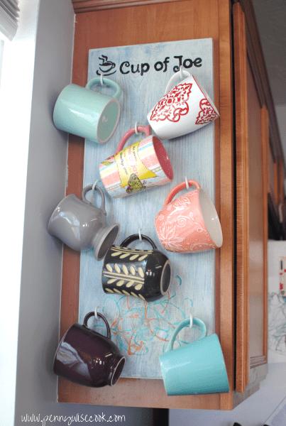 DIY wall coffee mug holder (via pennywisecook.com)