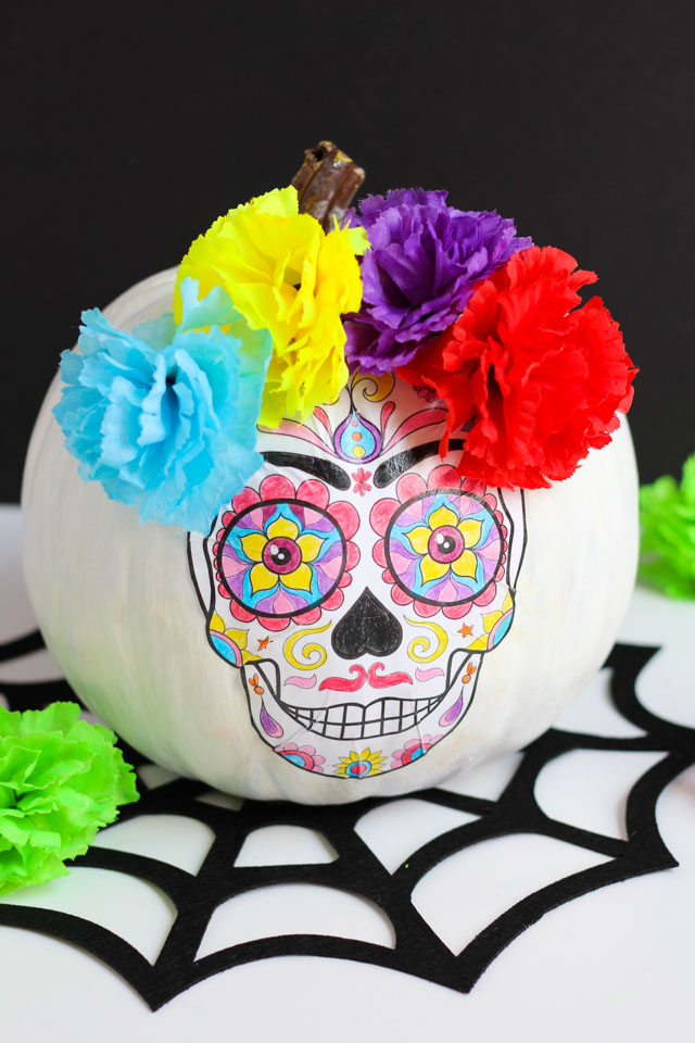 DIY Day of the Dead pumpkin (via www.designimprovised.com)