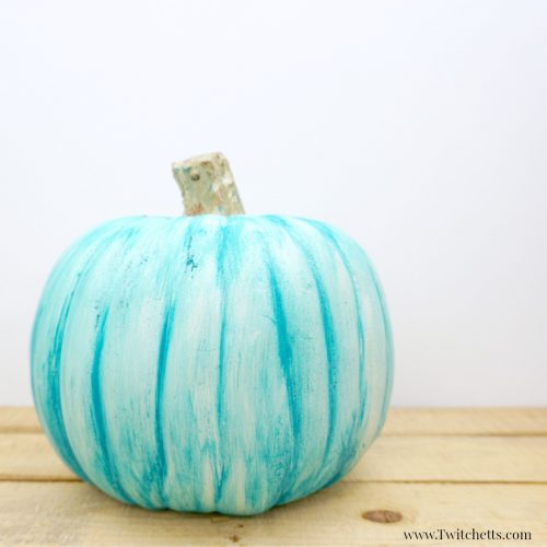 DIY teal painted pumpkin (via twitchetts.com)
