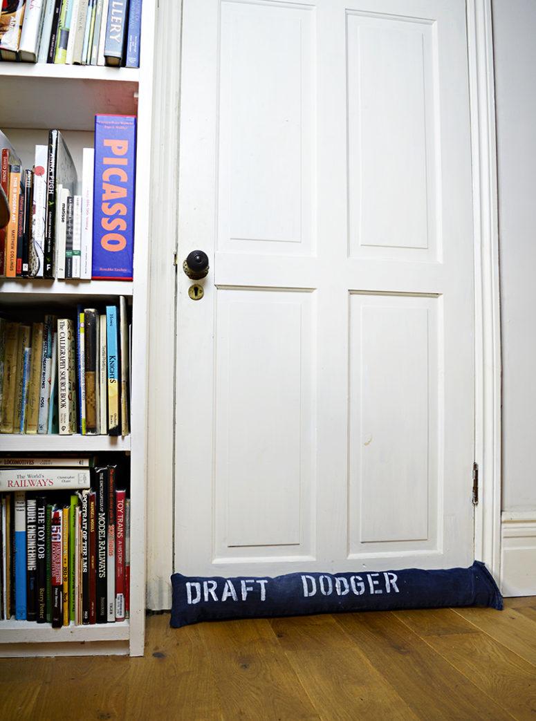 DIY denim draught excluder (via www.pillarboxblue.com)