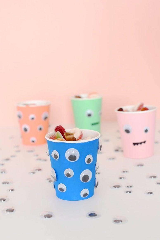 DIY googly eyes treat cups (via enthrallinggumption.com)