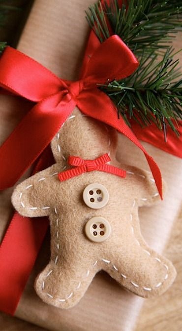 a gingerbread man cookie inspired piece can be a gift tag or an ornament