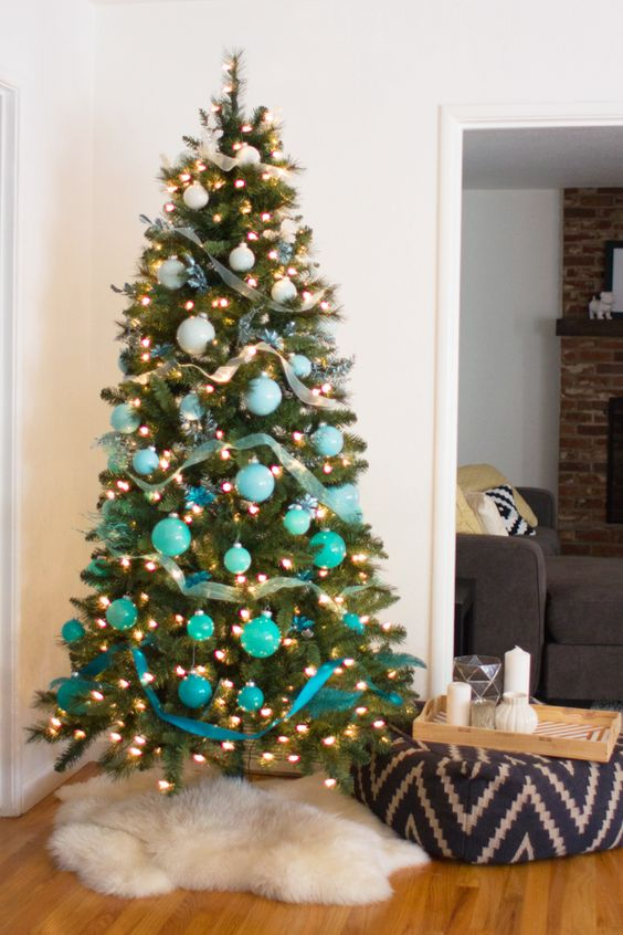 white to turquoise ombre Christmas tree ornament styling