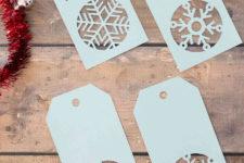 DIY snowflake Christmas gift tag