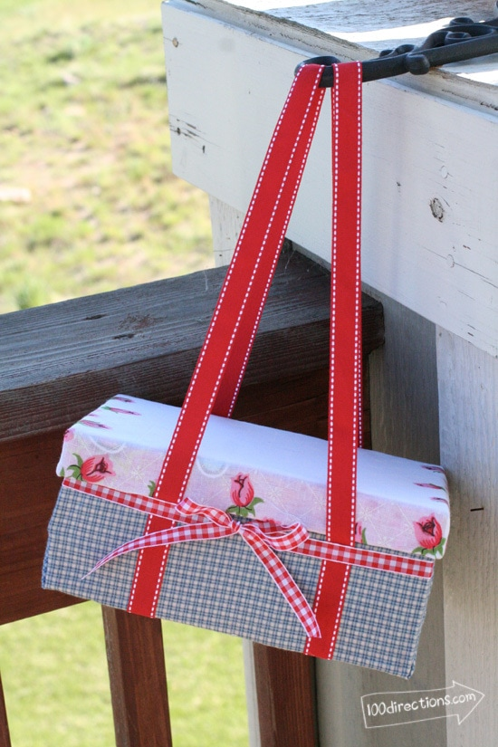 DIY shoebox picnic basket (via www.100directions.com)
