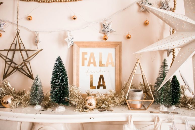 DIY Fa-La-La Christmas artwork (via www.heywandererblog.com)