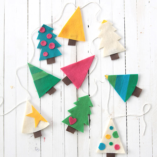 DIY colorful felt Christmas tree garland (via www.itsalwaysautumn.com)