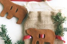 DIY cinnamon apple sauce ornaments and gift toppers