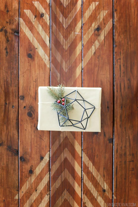 DIY himmeli gift topper (via vintagerevivals.com)