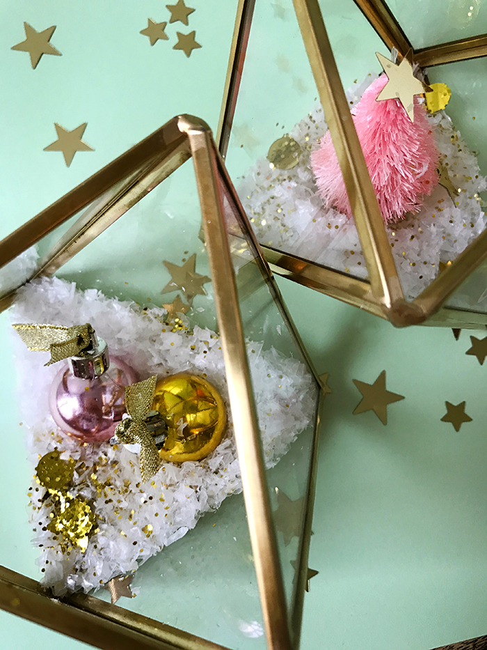 DIY glam Christmas terrariums with glitter (via www.we-are-scout.com)