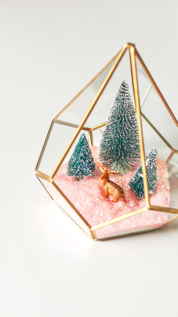 11 Diy Christmas Terrariums You Need To Make Shelterness