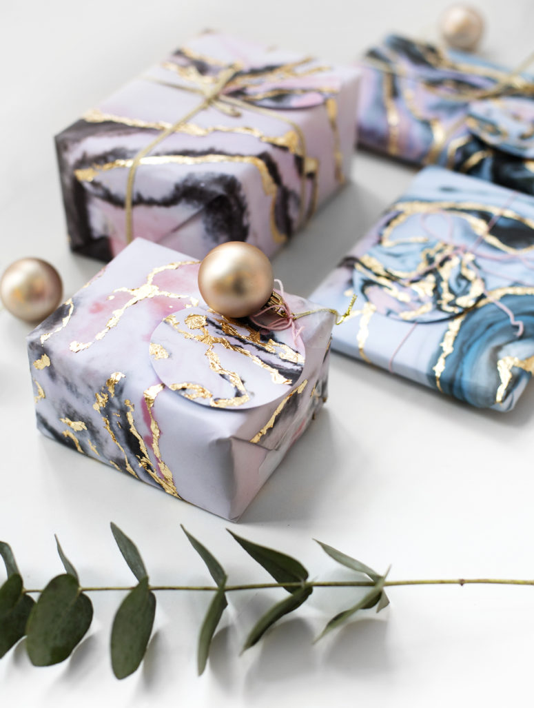 DIY marble wrapping paper with gold leaf (via thelovelydrawer.com)