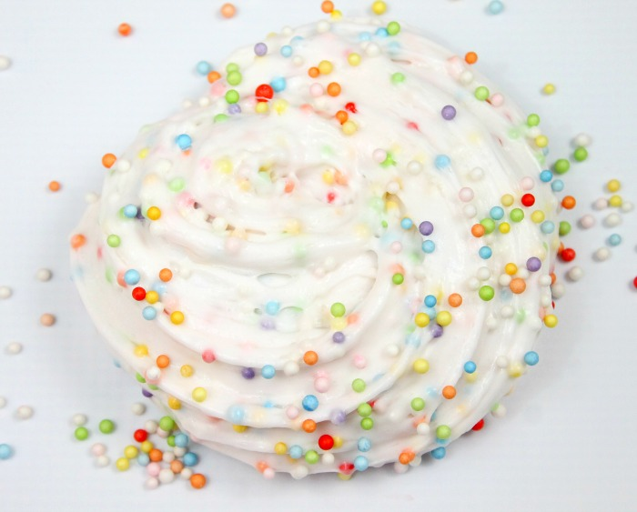 DIY confetti slime (via momluck.com)