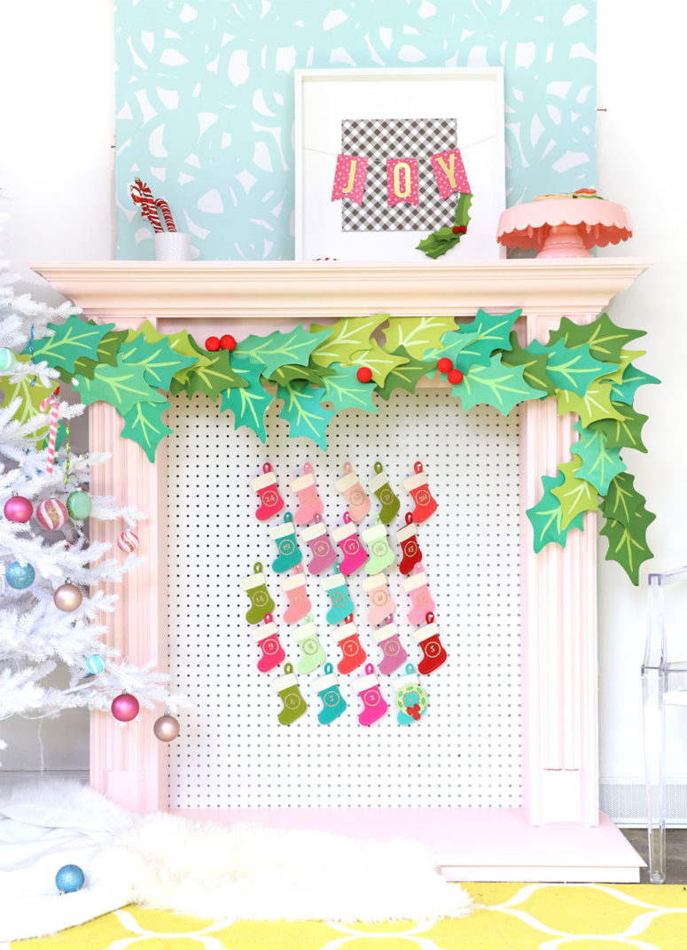 DIY pegboard and felt stockings advent calendar (via damasklove.com)
