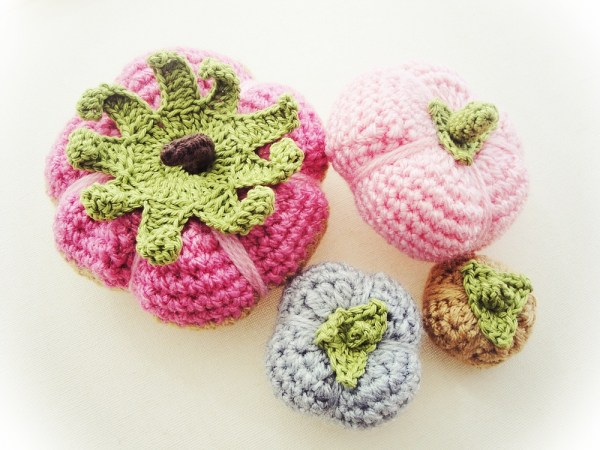 DIY colorful crochet pumpkins (via craftbits.com)