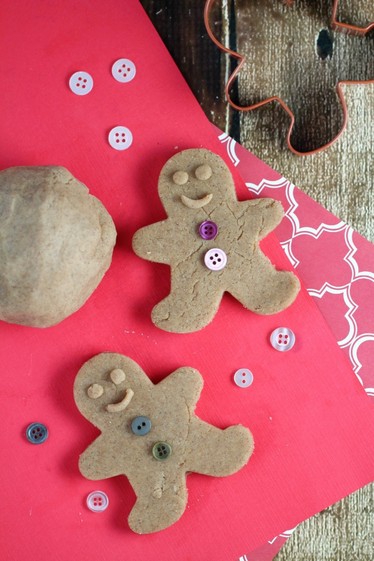 DIY gingerbread playdough (via www.frugalmomeh.com)