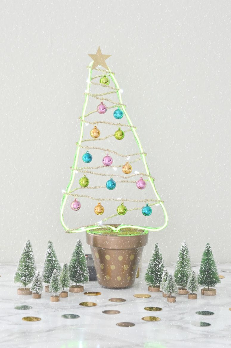 DIY flower pot and LEDs Christmas tree (via www.vikalpah.com)