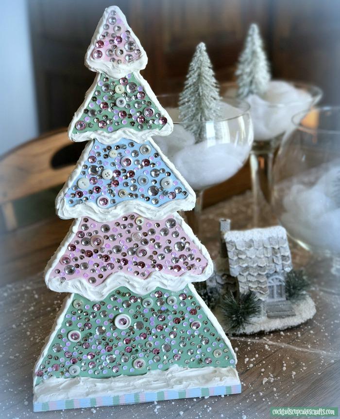 DIY pastel Christmas tree with crystals (via cocktailscupcakescrafts.com)