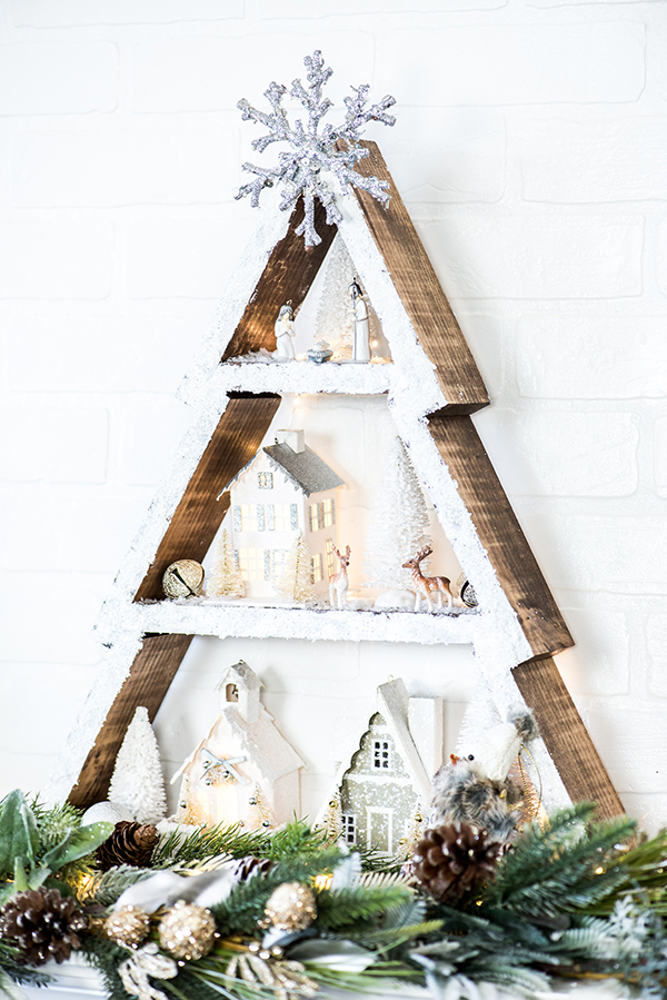 DIY snowy Christmas tree shelf (via apumpkinandaprincess.com)